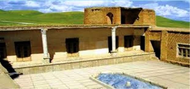 قلعه باجول الیگودرز مرمت می شود
